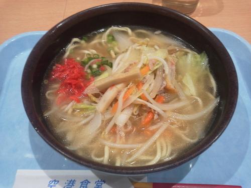 「野菜そば 650円」@空港食堂の写真