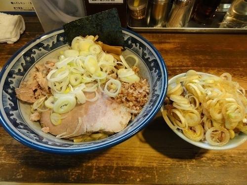 「油そば780円 刻みチャーシュー丼ミニ250円」@兎に角 松戸店の写真