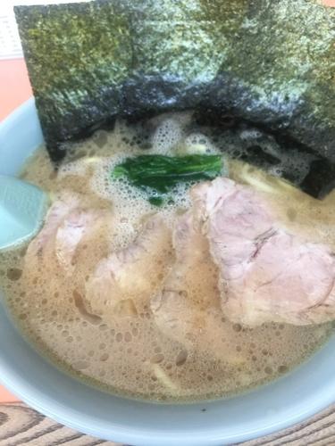 「チャーシュー麺850円、硬め濃いめ」@梅浜亭の写真