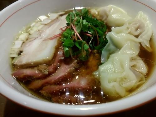 「虎徹そば(醤油・細麺)780円+釜焼きチャーシュー+ワンタン」@麺や 虎徹の写真