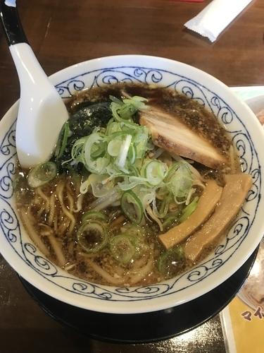 「背脂黒醤油ラーメン➕麺固め」@寛虎の写真