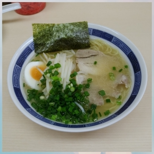 「Aセット(ラーメン並・半ライス・味玉チャーシュー高菜付)」@八作の写真