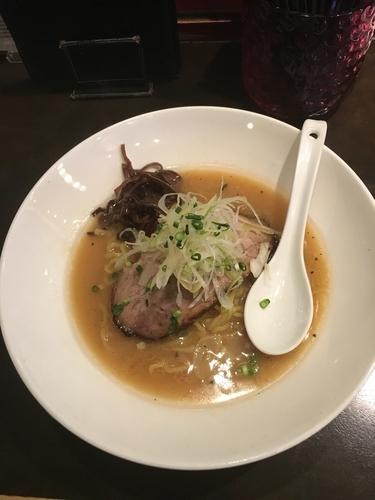 「しょうゆらぁめん(780¥、大盛100¥)」@麺 藏藏の写真
