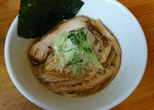 「秋刀魚中華そば 醤油 750円」@つけ麺 弥七の写真