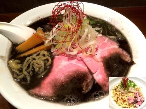 「らーめん(800円)+替玉(200円)」@Black Noodles KOKOROの写真