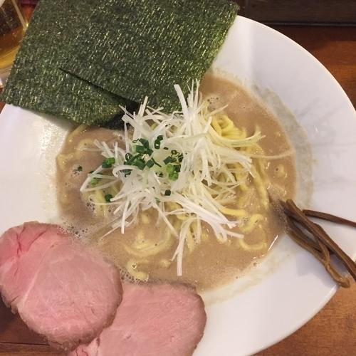「黒 大盛り」@麺バル 3×3 市川店の写真