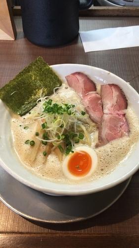 「濃熟しょうゆラーメン 620円」@麺作 赤シャモジ 本店の写真