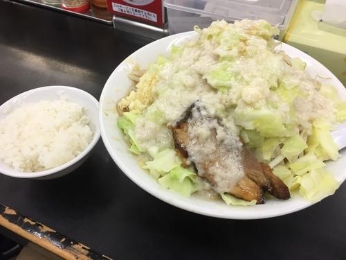 「ラーメンぎ郎 野菜アブラニンニク +ライス」@らーめん ぎょうてん屋 町田店の写真