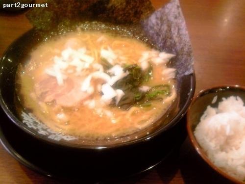 「ラーメン 並 (680円)」@横浜家系ラーメン 岩槻商店の写真