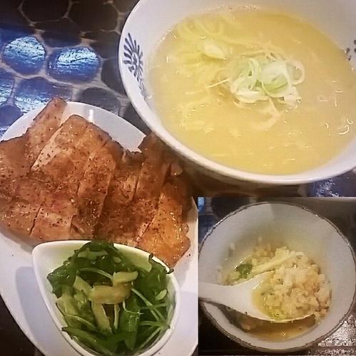 「和風?洋風?…な、味噌らーめん…ん?やっぱり洋風かな~ 千円」@特級鶏蕎麦 龍介の写真
