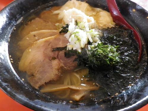 「キンメとエビのワンタン入り天然塩チャーシューメン」@中国料理 一品香の写真