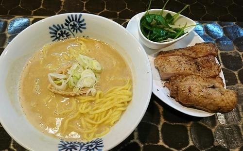 「【限定】浅野ジョニー:和風?洋風?な味噌ら~めん・・・ん?や」@特級鶏蕎麦 龍介の写真