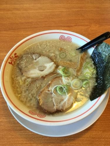 「こってり醤油チャーシュー麺800円」@東京とんこつ とんとら 北本店の写真