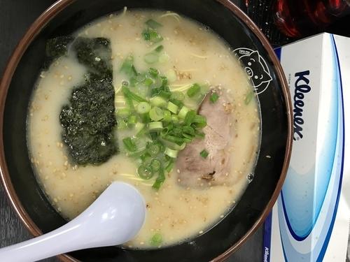 「豚骨ラーメン半チャーハンセット」@博多ラーメン 長浜や 東十条店の写真