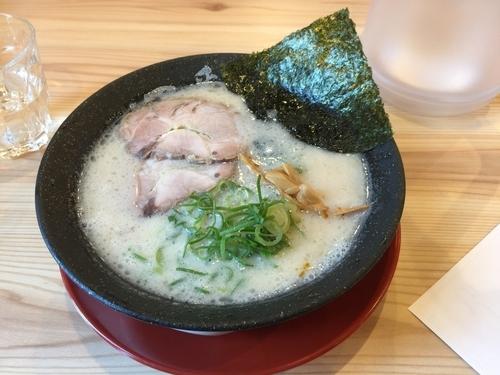 「白豚骨ラーメン 680円」@熟成とんこつラーメン専門 一番軒 西春駅前店の写真
