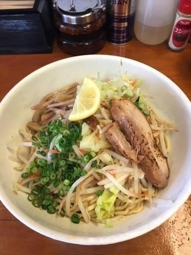 「醤油ばんめん (並) ¥650 & 温野菜 ¥100」@麺食堂 一真亭の写真