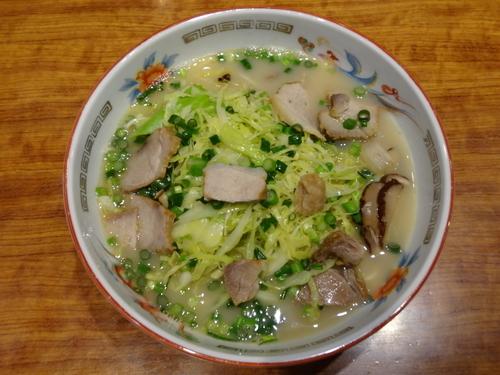 「ラーメン【鹿児島黒豚チャーシュー入り】(並)」@こむらさき アミュプラザ店の写真