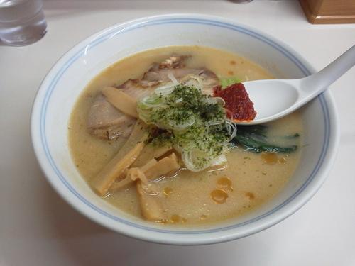 「辛味噌ラーメン 750円」@ラーメン 味よし 仙台駅前分店の写真