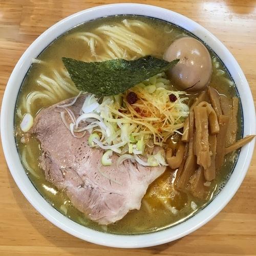 「塩らーめん(中)+味玉 ¥950」@自家製中華そば としおかの写真