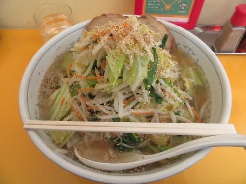 「野菜たっぷりタンメン(860円)+大盛+チャーシュー」@しょうやの写真