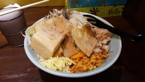 「油そば200g豚W」@らーめん つけ麺 油そば 郎郎郎 調布店の写真