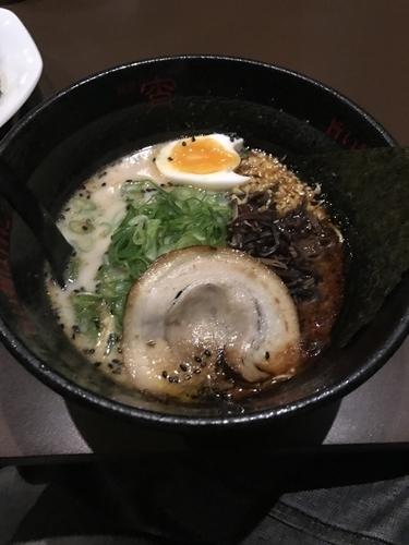 「豚骨黒ラーメン」@麺屋 宵の写真