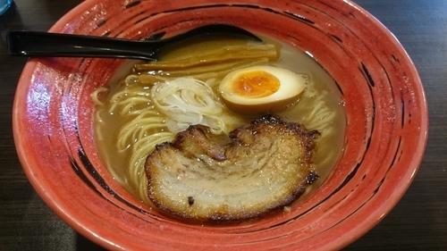 「濃厚あごらーめん(麺硬め+ライス+替え玉100g)」@あごばんらーめんの写真
