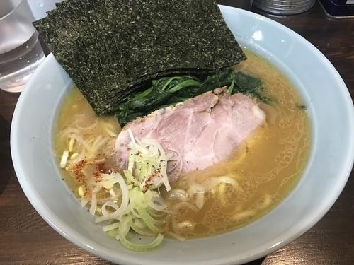 「特とん塩 のり」@横浜家系豚骨醤油極太麺 侍 本店の写真