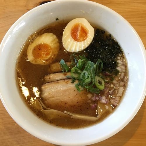 「肉入りらーめん(830円) 味玉(100円)」@麺喰屋 澤 徳島店の写真