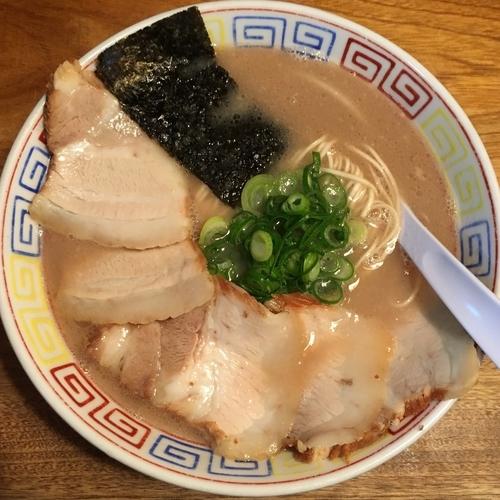 「らーめん道 (550円) チャーシュー (250円)」@久留米らーめん道 麺志の写真
