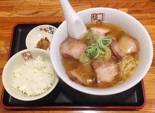 「喜多方ラーメン 390円(感謝祭価格)」@喜多方ラーメン 坂内 歌舞伎町店の写真
