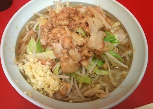 「小(豚2枚)麺半分ニンニクアブラ 700円」@ラーメン二郎 札幌店の写真