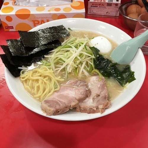 「ねぎラーメン(中盛り)玉子 ¥900」@かいざん 西船橋店の写真