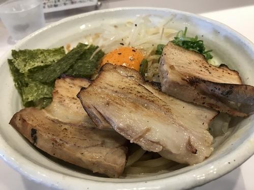 「ぶたぶたまぜそば 大盛サービス 1,000円」@ぶっと麺 しゃにむにの写真