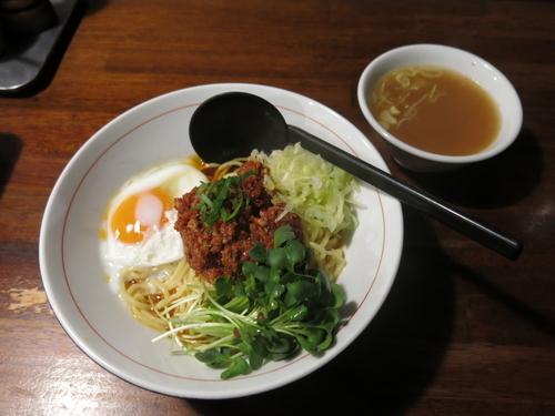 「汁なし担々麺(辛さ普通):830円」@そらまめ拉麺本舗の写真