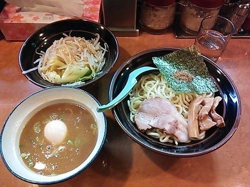 「濃厚豚骨つけ麺+もやキャベ・味玉」@横浜家系ラーメン西荻家の写真