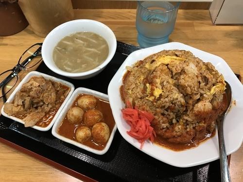 「チンピラチャーハン+チンピラ玉子+ピリ辛ほぐし豚」@味噌麺処 花道の写真