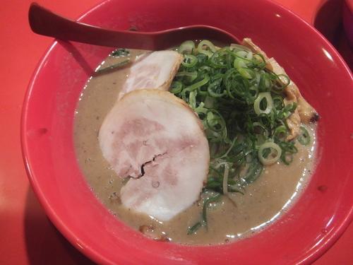 「特濃ラーメン700円(バラ肉、麺硬め、ネギ多め)」@特製ラーメン 大中 伏見店の写真