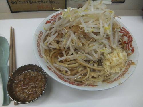 「ラーメン小300g750円(ニンニクヤサイアブラ)」@ラーメン荘 歴史を刻め 新栄の写真