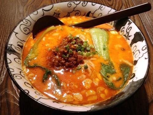 「タンタン麺(918円)」@中国料理 クレイジー餃子の写真