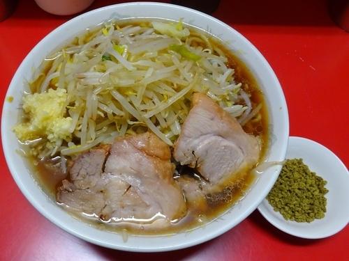 「小ラーメン+ふりふりカレー 麺硬めヤサイニンニクカラメ」@ラーメン二郎 上野毛店の写真
