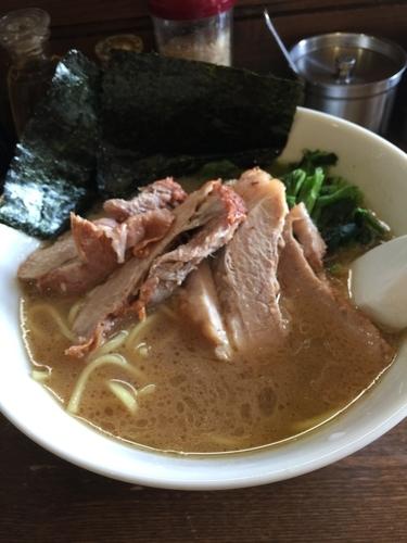 「チャーシュー麺、硬め濃いめ」@横浜家の写真
