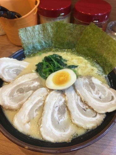 「チャーシュー麺中盛1050円、硬め濃いめ」@金沢家の写真