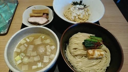 「【4月限定】淡麗塩煮干しつけ麺(裏)+和え玉 ¥ 1000」@煮干し中華そば 一燈の写真