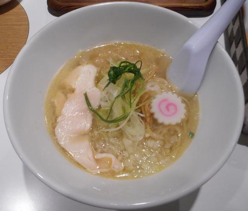 「淡麗 鶏そば 780円 -」@石焼・鶏そば 山田鶏屋の写真