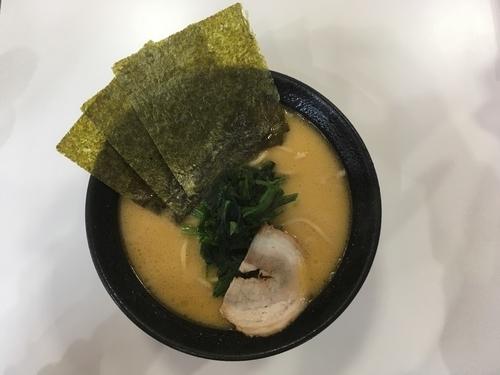 「醤油ラーメン(並) 690円」@らーめん わらい屋の写真