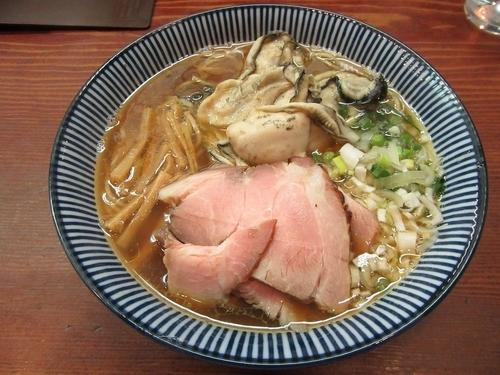 「限定 カキの醤油拉麺(950円)」@良温(Ra-on)の写真