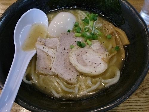 「鶏白湯の自家製麺 味玉トッピング」@めんごころ なつの写真