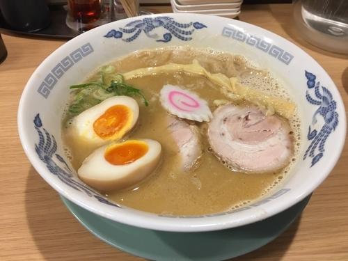 「鶏豚骨らーめん700」@ラーメン専門店 布施 細見商店の写真