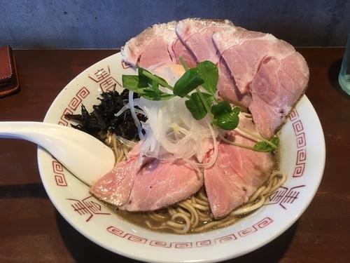 「濃厚中華ソバ+肉増し+味玉+替玉ハーフ白醤油」@中華蕎麦 志の写真